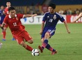 プレッシングなど守備面でも貢献した武藤は、アピールに成功した数少ない選手だ。写真:小倉直樹(サッカーダイジェスト写真部)
