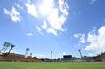 【U-22日本代表 1-2 京都】炎天下の中、試合は午前11時にキックオフされた。写真:小倉直樹(サッカーダイジェスト写真部)