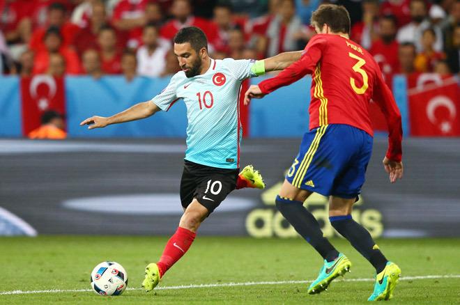スペイン 3-0 トルコ|採点&寸...