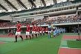 【磐田 0-1浦和】入場する両チーム。写真:滝川敏之(サッカーダイジェスト写真部)
