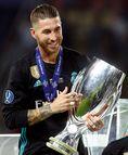 セルヒオ・ラモス(31歳) レアル・マドリー所属/スペイン代表 まずはスーパースター軍団R・マドリーのキャプテンにして、世界最高のCBと評されるこの人から。スペイン・サッカー界きってのお洒落さんとして知られ、デビュー当時は肩を越えるほどの長髪だった。(C) REUTERES/AFLO
