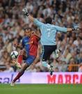 2008-2009シーズン|2009年5月2日|第34節|レアル・マドリー 2-6 FCバルセロナ|バルサが3冠を成し遂げたシーズンの、歴史的一戦。アンリの2ゴールなどで大量6ゴールをもぎ取った。(C)Getty Images