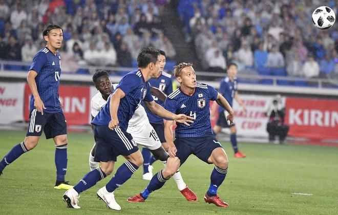 日本は重大な過ちを犯した」仏誌...
