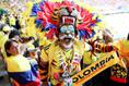 ド派手に決まっているコロンビアのサポ―ター。(C)Getty Images