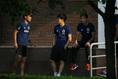 【日本代表PHOTO】会場入りを前にリラックスする3選手。左から宇佐見、遠藤、原口。写真:JMPA代表撮影(滝川敏之)