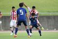 小柄ながらも高い技術を魅せた斉藤光毅(横浜FCユース)。写真:茂木あきら(サッカーダイジェスト写真部)