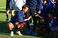 【日本代表PHOTO】子供たちとタッチを交わした槙野。写真:山崎 賢人(サッカーダイジェスト写真部)