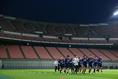 【日本代表PHOTO】ゆっくりとアップする選手たち。写真:山崎 賢人(サッカーダイジェスト写真部)