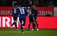 開始直後の2分に日本がはやくも先制。山中亮輔が代表デビューでいきなり得点を奪う。写真:山崎賢人(サッカーダイジェスト写真部)