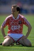 1986年受賞|イゴール・ベラノフ(ソ連/FW)|主な所属クラブ:ディナモ・キエフ、ボルシアMG|元ソ連代表FW。バロンドール受賞者の中で最も地味な選手と言われている。86年のメキシコW杯と欧州カップ戦以降、目立った活躍がなかったことが理由。 (C) Getty Images