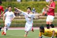 【浦和U-18 0-2 清水U-18】ゴールを奪いポーズを決める青島健大(11番)。写真:山崎 賢人(サッカーダイジェスト写真部)