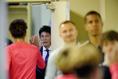 【広島 0-1 FC東京PHOTO】練習を終えた選手たちを向かい入れる城福監督。写真:徳原隆元