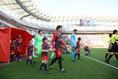 【鹿島 1-0 仙台 PHOTO】入場する両チーム。写真:滝川敏之