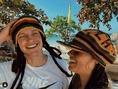 ジャマイカ旅行でのデヨングとミッキーさん(写真はインスタグラムより)。