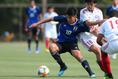 【U-20日本代表PHOTO】ボールキープする宮代。写真:山崎 賢人(サッカーダイジェスト写真部)