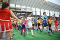【水戸 3-1 琉球】入場する両チーム。写真:滝川敏之