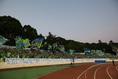【湘南 2-3 鳥栖】横断幕を貼り、チームを応援する湘南サポーター。写真:滝川敏之