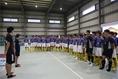 トライオンの説明を受ける部員たち写真:滝川敏之