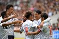 【神戸 1-3 FC東京 PHOTO】6分、髙萩(右から2人目)のゴールでFC東京が先制。写真:徳原隆元