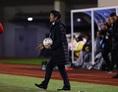 チームの指揮を執る森保一監督。写真:茂木あきら(サッカーダイジェスト写真部)