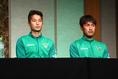 【東京V新体制PHOTO】井出遥也、福村貴幸(右) 写真:茂木あきら(サッカーダイジェスト写真部)