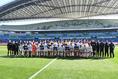 【NEXT GENERATION MATCH PHOTO】試合前に両チームが一緒になり記念撮影。写真:徳原隆元