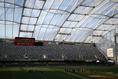 フォーサイス・バー・スタジアム(サザン・ユナイテッド/ニュージーランド|「インドアにしたかったのか、アウトドアスタジアムにしたかったのかは分からない」、「水槽っぽい」と海外は不評(?)。 (C)Getty Images