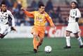 1999-2001年/伊東輝悦 写真:サッカーダイジェスト