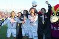 2003年1月1日天皇杯決勝 黒部光昭、松井大輔、角田誠、朴智星 写真:サッカーダイジェスト