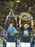 2002年の1stステージ、2ndステージを連覇し、史上初の完全優勝を果たしたジュビロ磐田|写真:サッカーダイジェスト