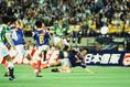 Jリーグ第1号ゴールを決めたヘニー・マイヤー(FW)|写真:サッカーダイジェスト