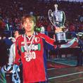 【5冠】2000年/ナビスコカップ(現ルヴァンカップ)/危なげない試合運びで川崎を突き放し勝利。国内3冠を目指し、まずは1冠を達成(鹿島2-0川崎)|写真:サッカーダイジェスト