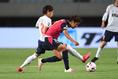 【J1第9節PHOTO】C大阪 0-0 FC東京|エースの宿命か。室屋(2番)から激しいマークを受ける清武(右)。写真:徳原隆元
