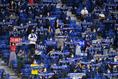 【J1第13節PHOTO】G大阪1-3FC東京|選手を迎え入れるガンバ大阪のサポーター|写真:金子拓弥(サッカーダイジェスト写真部)