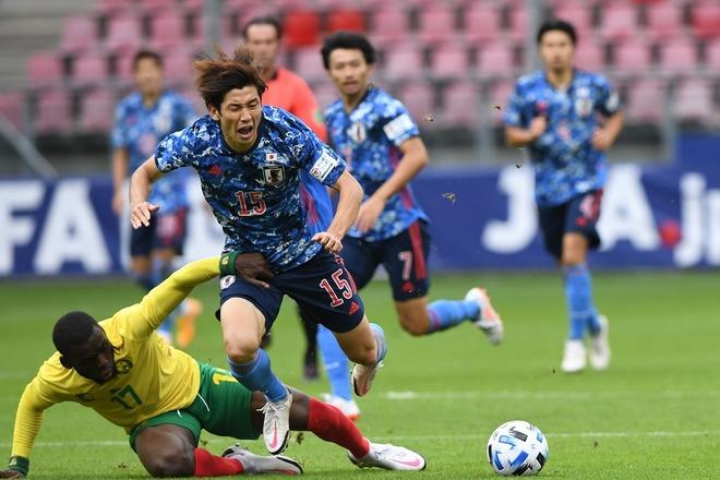 サッカー カメルーン 戦