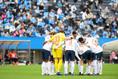 【J1第23節PHOTO】横浜FC1-0FC東京|円陣を組むFC東京|写真:金子拓弥(サッカーダイジェスト写真部)