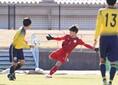 【高校サッカー選手権1回戦PHOTO】関東第一4-0山辺|志賀のゴールキック。写真:田中研治