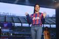 【FC東京新体制PHOTO】2021年シーズンのサポータースタイルもファッションショー形式で披露された。 写真:塚本凜平(サッカーダイジェスト写真部)